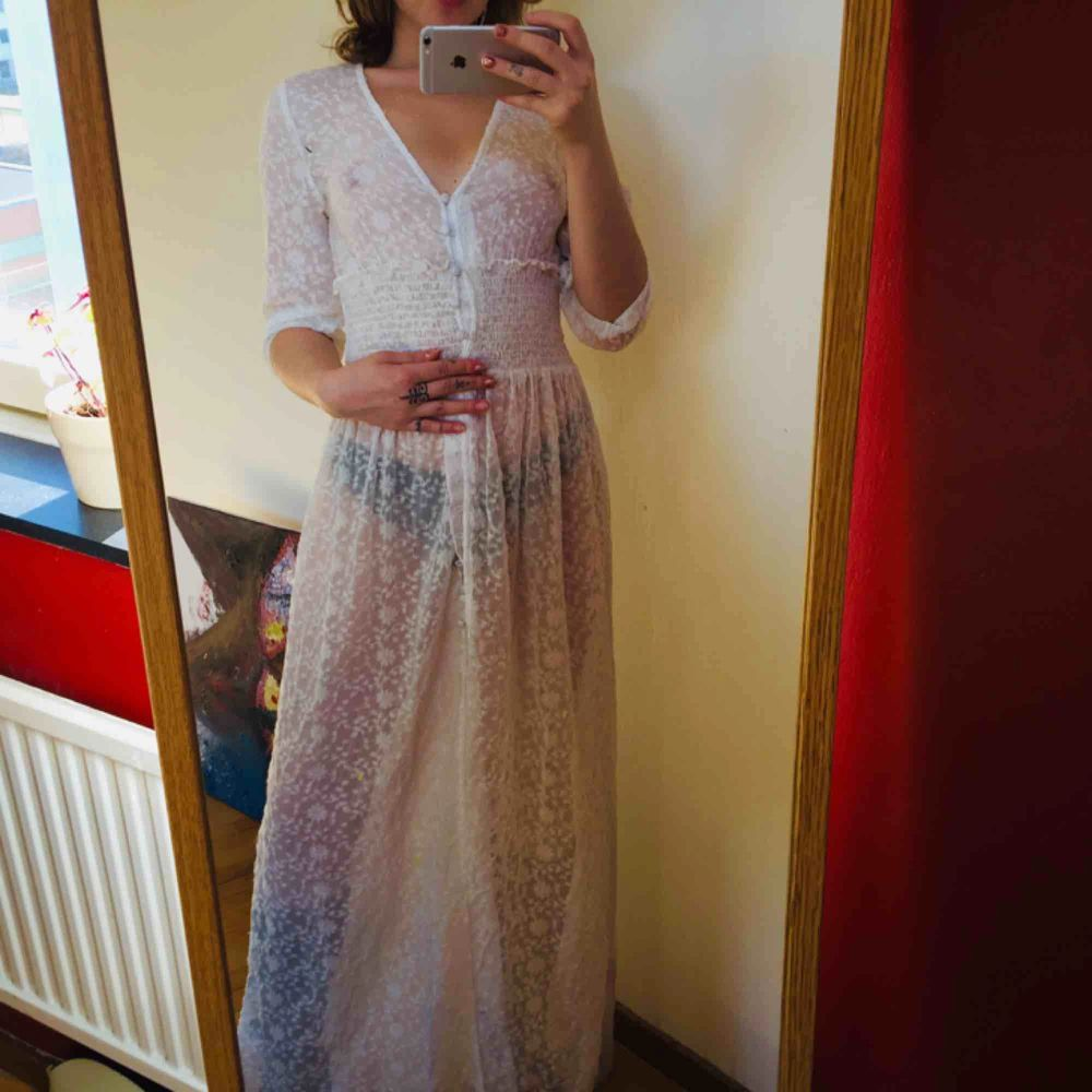 See through but amazing as a flowy summer cardigan/dressy.... beachy 🌞❤️ Name ur price . Klänningar.