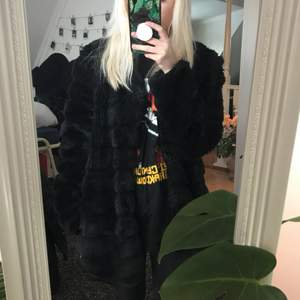 Faux fur jacka från Minto som är använd en del men i bra skick. Kan mötas i Stockholm 🌹