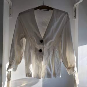 Super fin sjorta från zara. Jätte fin kvalite. 💕