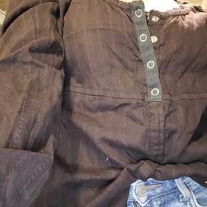 En fin lång ärmar tröja i fint skick.