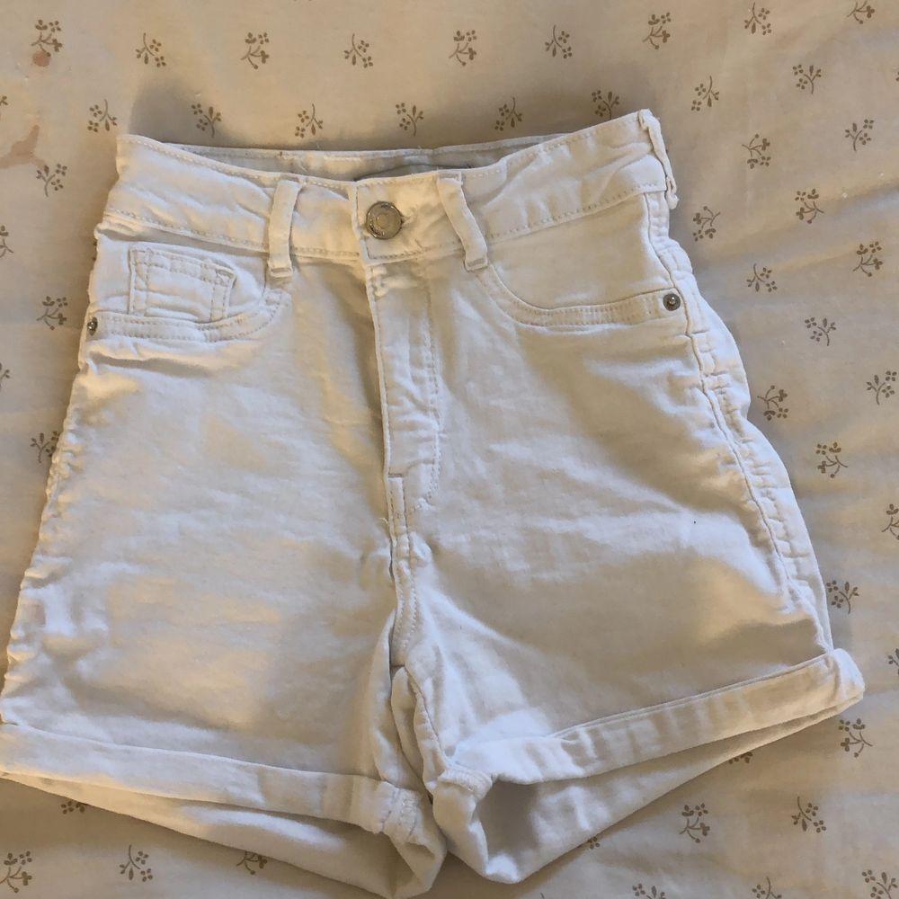 Vita jätte fina shorts inte heller använt mycket. Shorts.