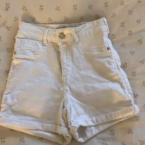 Vita jätte fina shorts inte heller använt mycket
