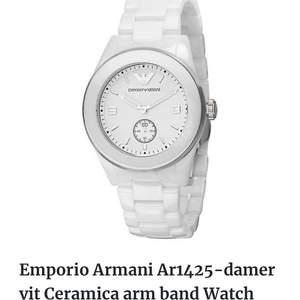Jätte snygg Armani ceramic klocka. Självklart äkta . Nypris 3500kr