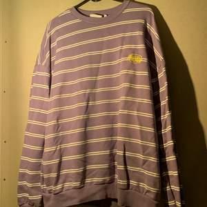 Unisex sweater från junkyard, använd en gång. FRI FRAKT!!