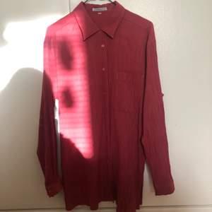 Fin skrynklad vintage skjorta från Painting Pastels i en vacker mörk pastellig färg. Passar bäst på någon med strl S.