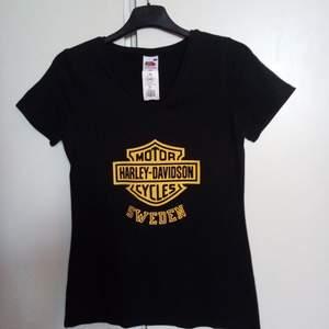 Tvär cool Harley Davidson T-Shirt! Helt oanvänd och med prislappen kvar!