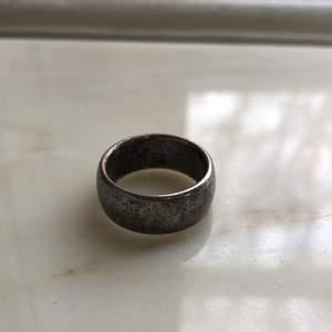 Gammal skitsnygg ring, bud från 50kr!