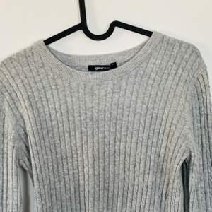 Kabelstickad tröja, använd fåtal gånger.