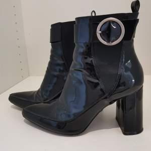 Högklackade skor från H&M i storlek 40. Fint skick 🖤✨ Gratis frakt 🥰