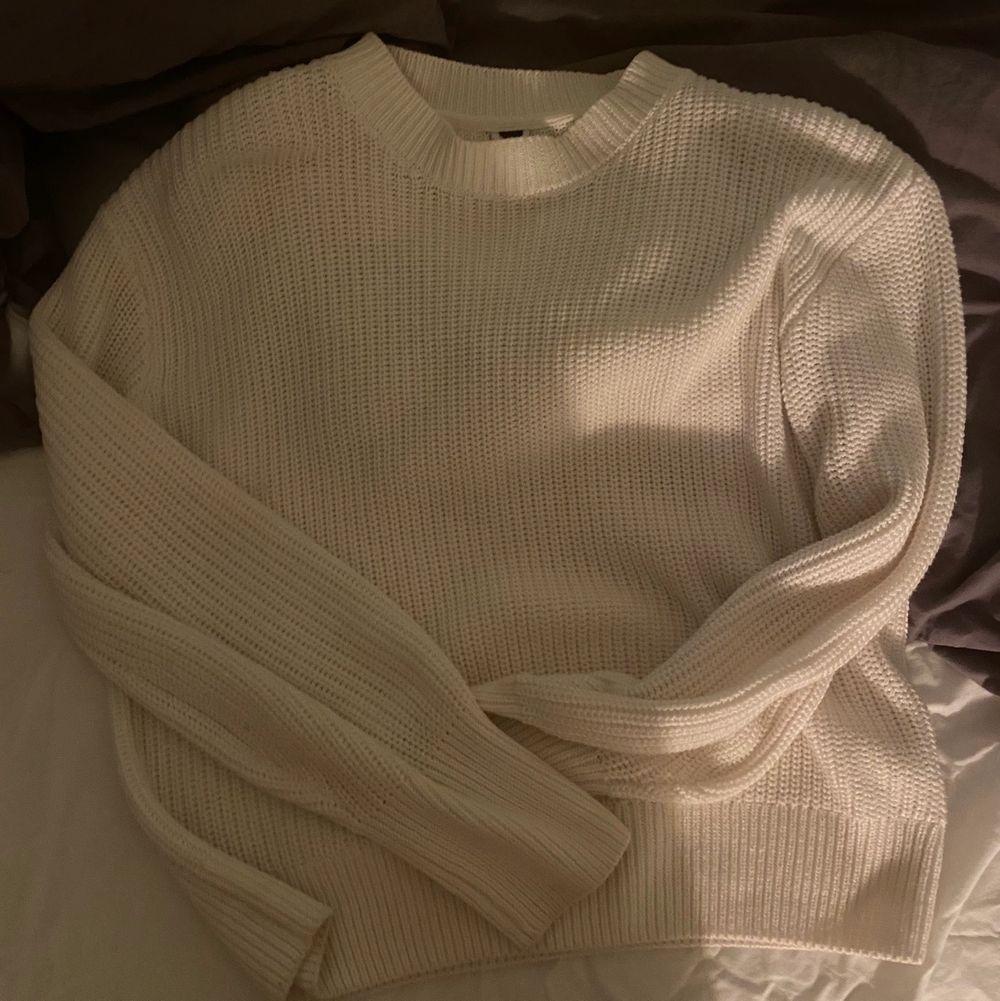 Mysig stickad tröja i nyskick!💗. Stickat.
