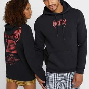 säljer min pier one hoodie från zalando i storlek XXS men som sitter som en XS