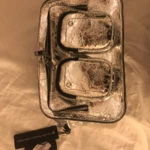 Helt ny väska från nunoo.