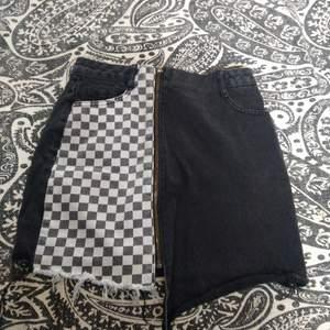 Skitcool punkig kjol köpt utomlands. Den ser väldigt kort ut på mig då jag dels på bilderna har den high-waist och att jag har långa ben! (Jag är ca 173 cm)!