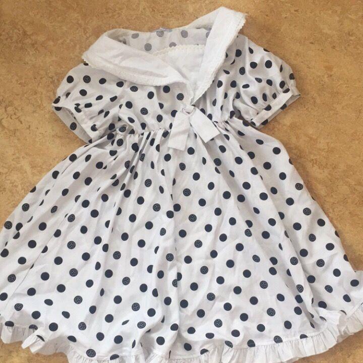 Jättesöt prickig klänning . Klänningar.