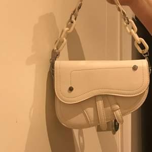 Jätte gullig väska från shein och är aldrig använd.