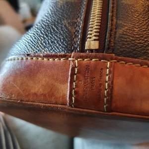 Louis vuitton alma väska. Datum kod FL 1021 .