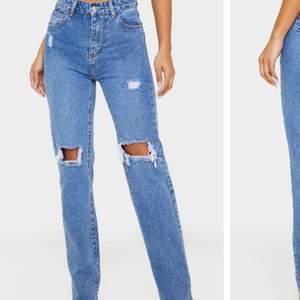 Helt nya jeans från Prettylittlething i storlek 36. Säljer pga att jag råkade beställa fel storlek.