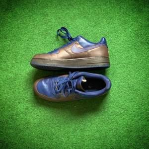 Vintage Nike AF1 82' (ej 07)🔥🔥 ⠀⠀⠀⠀⠀⠀⠀⠀⠀⠀⠀⠀ ⠀⠀⠀⠀⠀⠀⠀⠀⠀⠀⠀⠀ - Storlek: EU 44,5/ US 10,5 - Condition: 7/10 ⠀⠀⠀⠀⠀⠀⠀⠀⠀⠀⠀⠀ ⠀⠀⠀⠀⠀⠀⠀⠀⠀⠀⠀⠀ ⠀⠀⠀⠀⠀⠀⠀⠀⠀⠀⠀⠀ Pris: 1300kr KOM MED BUD ❗️