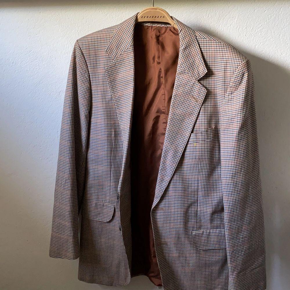 Blå, brun, beige mönster, vintage. Kostymer.