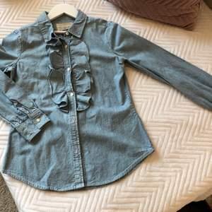 RL kråsblus jeans. Str 12 år men som en XXS. Aldrig använd.