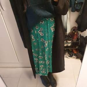Blommig kjol från Lindex. Storlek m