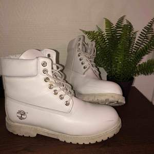 White Timberland boots   Worn once or twice   Good condition   Comfortable