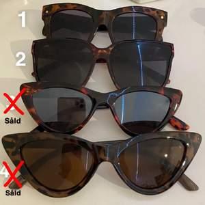 Hej! Säljer lite olika solglasögon för bra pris. Har du fler frågor så hör av dig gärna! ☺️