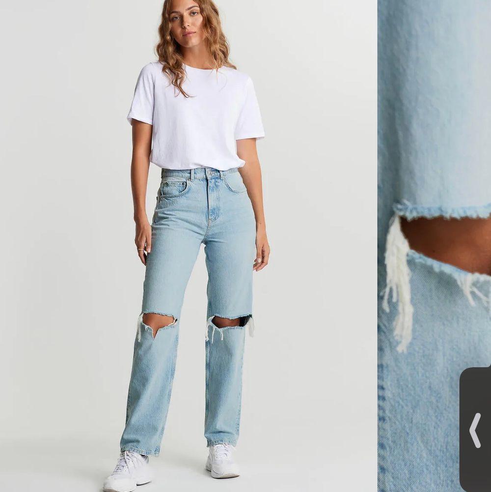 Säljer mina gina jeans i super fint skick då jag känner att dom inte kommer till så mycket användning längre❤️ De är i bra skick! . Jeans & Byxor.