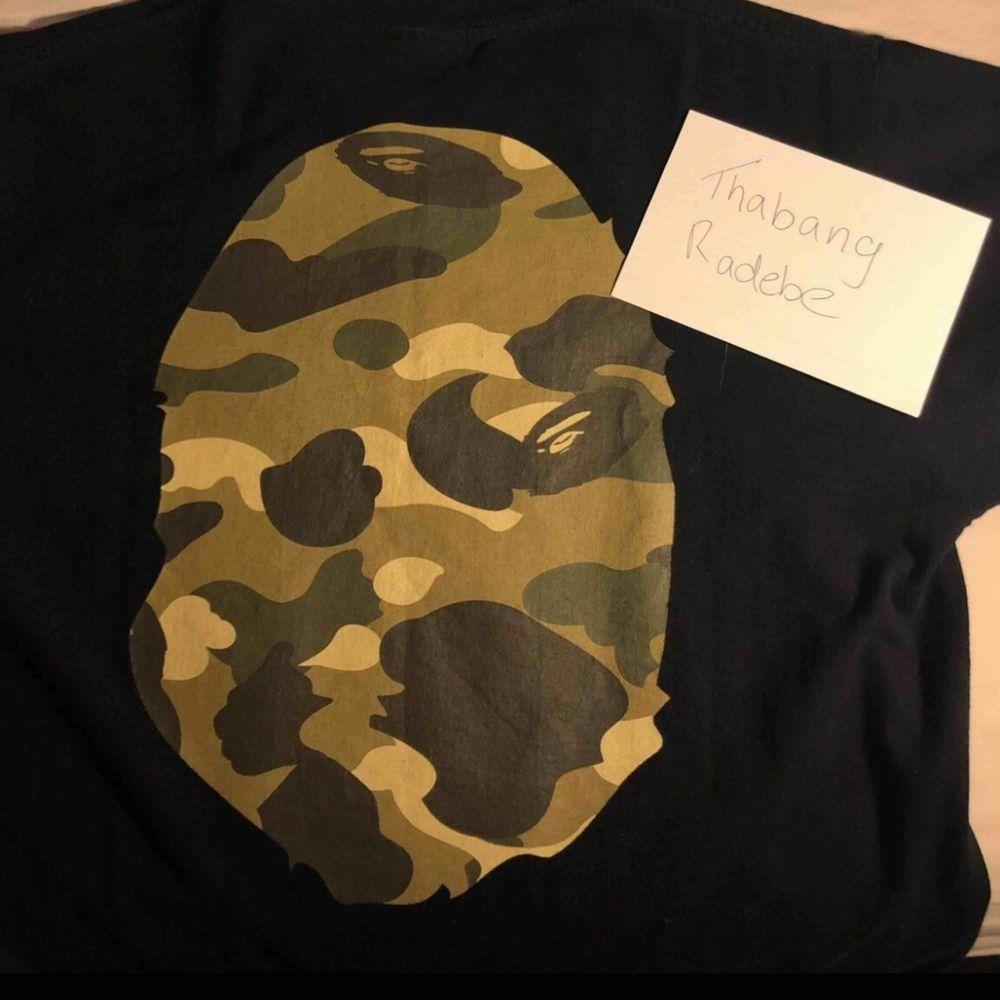 Bape T-Shirt  Bought in New York  Barely worn Original price 1200 SEK. T-shirts.