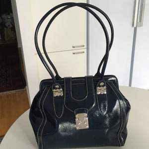 I ny skick , worthington handväska. Mått: 30cm x30cm x 14 cm