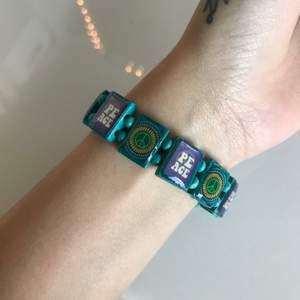 🦋 Coolt peace armband (frakt 15kr) 🦋