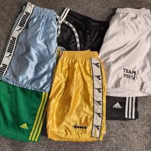 SÖKER: Äldre sport shorts från Adidas, Puma, Diadora, Nike etc. Storlekar S - XL, men även 164/176 intressant. Bra betalt