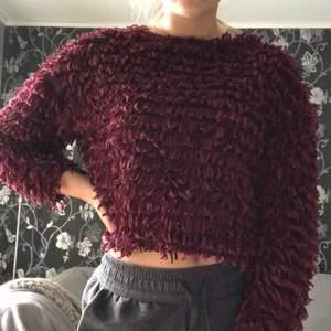 Stickad tröja från Zara. Säljer pga ej min stil. Köpare står för frakt