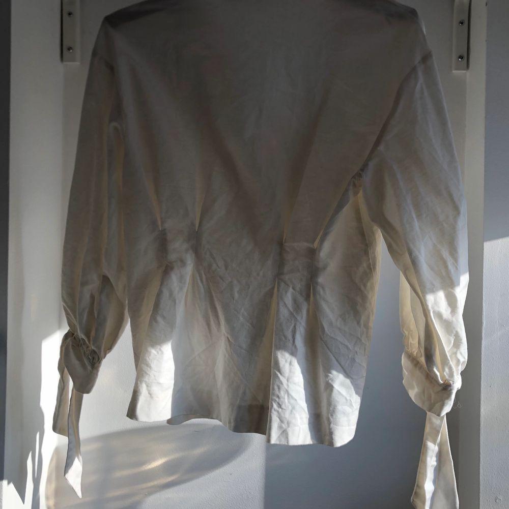 Super fin sjorta från zara. Jätte fin kvalite. 💕. Skjortor.