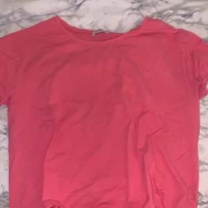 Rosa tröja storlek M alldrig använd från ZARA