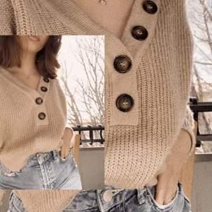 En fin stickad tröja med knappar💕 Jag står för frakten☺️☺️