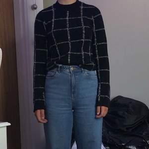Fin tröja nästan aldrig använt kan frakta elr mötas upp
