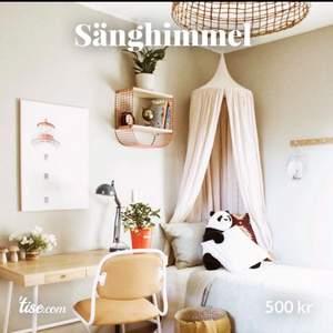 Sänghimmel Ljus Puder från Numero 74 miniroom.se köpt för 1249kr/st och säljes för 500kr/st