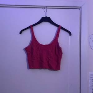 rosa, stickat, kort linne, VÄLDIGT stretchig så passar vilken storlek som helst💫 pris inkl frakt!