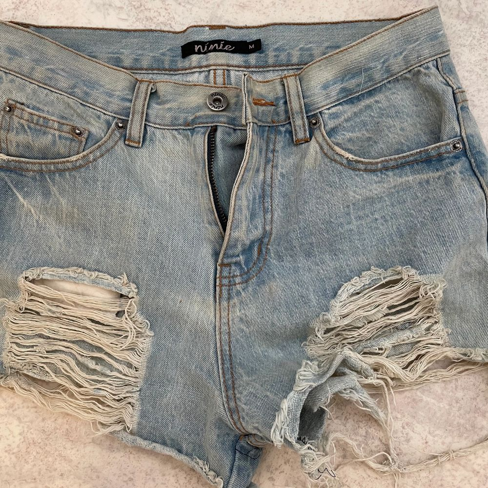 Australian brand shorts worn many times but unfortunately they don't fit anymore. Jeans & Byxor.
