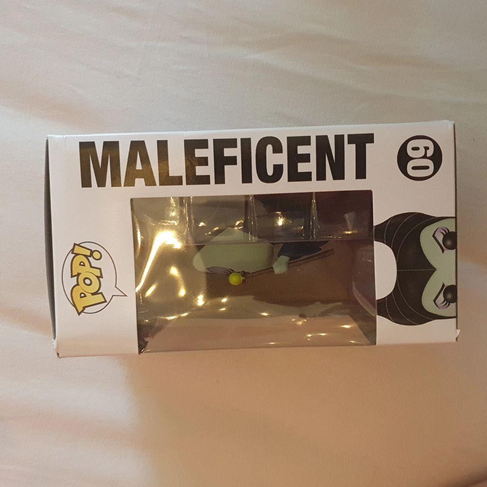 OÖPPNAD Maleficent. Själva figuren är ca 10-15 cm stor, (lite svårt att mäta den i kartongen) skickar eller möts i Karlskoga/Örebro/Hallsberg (SAMFRAKTAR GÄRNA!). Övrigt.