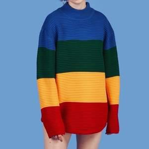 Säljer denna colourblock stickade tröjan från unif som jag köpte för några år sedan men inte använt mer än 2 ggr, väldigt cool och sitter oversize!