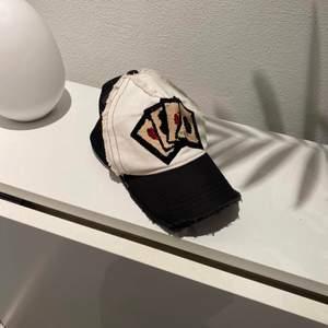 Yashinori kotake design trucker cap - adjustable - går i princip inte att få tag i om man bor i Sverige