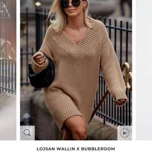 Oanvänd super snygg stickad klänning från lojsan wallins kollektion, ordinarie pris- 749kr