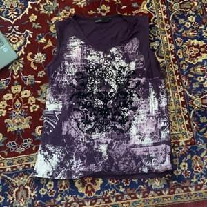En ascool lila tröja från Kappahl💓