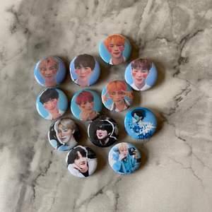 Säljer mina BTS pins! 💙 Säljer helst alla tillsammans, men annars kostar det 10:-/st. Bara att skriva till oss eller screenshota och ring in de ni vill ha ✨