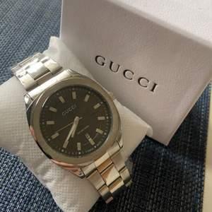 Säljer en Gucci klocka Replica! Passar både dam och herr Helt ny! 300kr + frakt