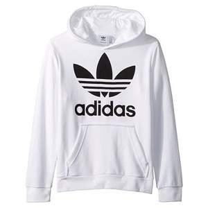 Säljer denna hoddien ifrån Adidas, har bara testat & sitter lite för stort för min smak. Den är vit! Frakt tillkommer! 🌼