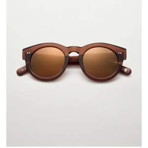 Jättefina solglasögon från chimi som är helt slutsålda! Använda fåtal gånger( som nya)💕boxen tillkommer och köparen står för frakt!