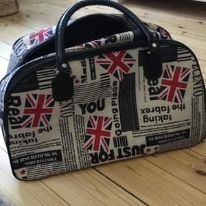Stor väska med tryck köpt i london ✨